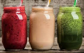 picture of 3 smoothies in mason jars